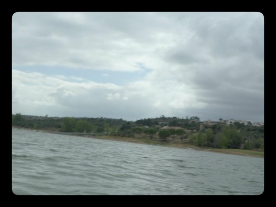 Paisagem e mais paisagem. E a barragem lá ao funnndo.