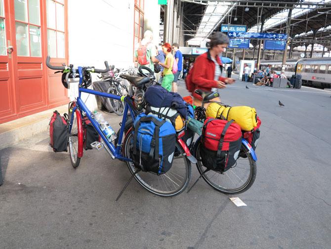Zwei Packtaschen vorn und  zwei hinten sorgen für die bestmögliche Gewichtsverteilung.