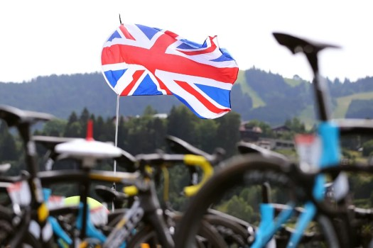 VN news ticker: WADA report indicates British Cycling conducted private doping controls, EF Education-Nippo roster changes for 2022
