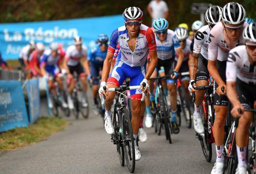 VN news ticker: Thibaut Pinot confirms return to racing, de Buyst, van Moer injured in training crashes