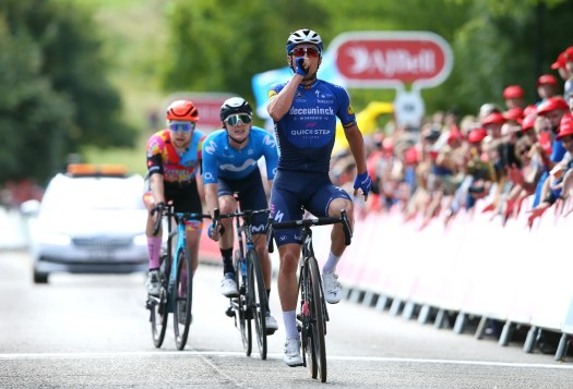 Tour of Britain stage 7: Yves Lampaert stomps to sprint win out of breakaway group