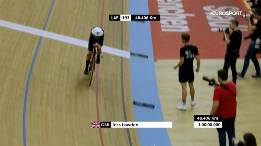 Joss Lowden rides 48.405km in new world hour record