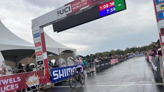 Eli Iserbyt defeats teammate and the rain in slippery World Cup opener