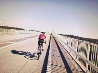 Allein auf der Brücke