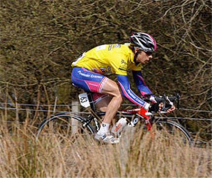 Tom in the Girvan Yellow Jersey, with Plowman Craven Madison, 2008.