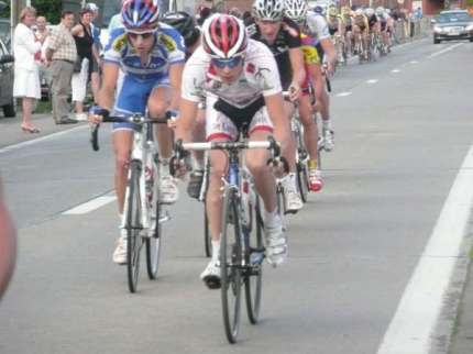 Tom's first win in Belgim, the Evegem - Belzele while with the Kingsnorth International Wheelers, in 2006.