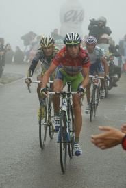 Nibali rides to 8th on the day.
