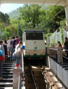 The funicular can be anything but fun with a huge crowd.