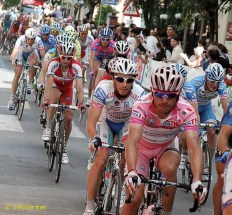 Rodriguez safe in the bunch.