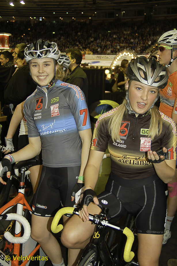Hannah shares a joke with Joop Zijlaard's grandaughter and Leontien's niece,  Nicky, an ex-Junior National TT Champion and 9th in the Worlds last year.