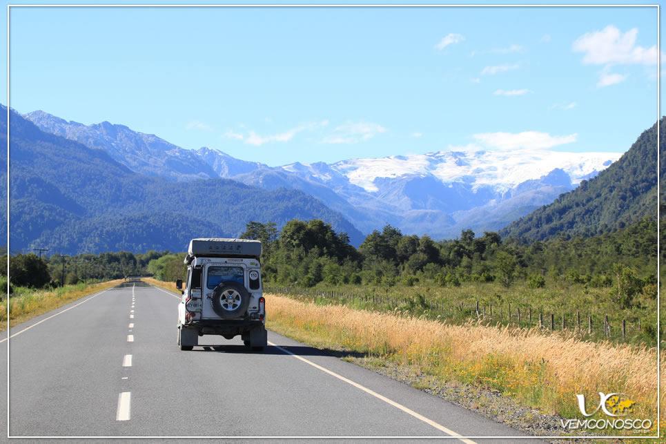 Foto 20 - A caminho do Parque Pumalín - Vulcão Michimahuida ao fundo