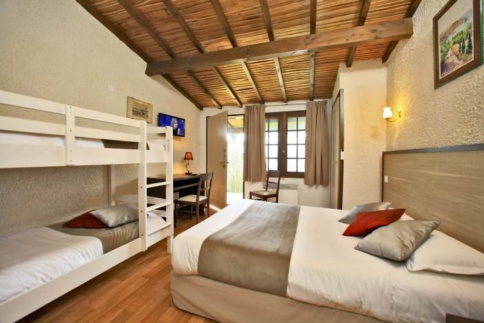 Hotel Puy Du Fou Chambre 4 Personnes