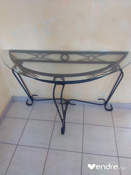 table trois pieds fer forge verre