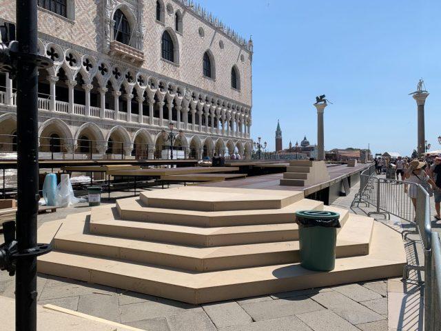 Piazzetta San Marco in Venedig fast vollständig gesperrt.