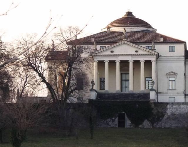 Passeggiata panoramica dalla Villa Capra a Monte Berico a Vicenza