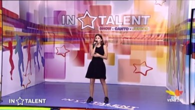 "Photo of Marta Piras stupisce cantando ""Rehab"" di Amy Winehouse"