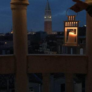 Tour con le lanterne alla Scala Contarini del Bovolo e Bacari