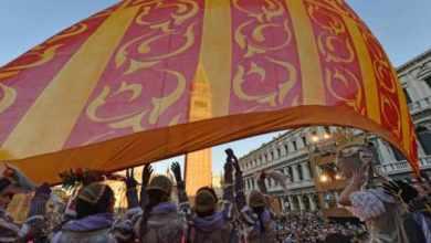 Photo of Svolo del Leon: chiude il Carnevale di Venezia 2019