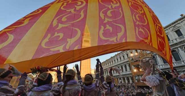Svolo del Leon: chiude il Carnevale di Venezia 2019
