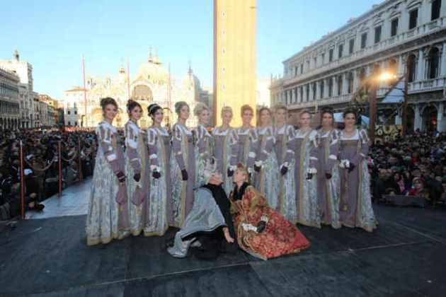 Il corteo delle 12 Marie ha aperto il Carnevale di Venezia 2019