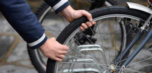 Cavallino Treporti: tentano di rubare due biciclette, presi