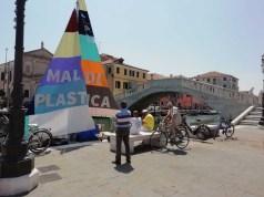"""""""Mal di Plastica"""" domani ore 11 l'arrivo a Venezia"""