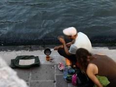Si preparano il caffè a Rialto: daspo a due turisti tedeschi