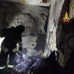 Appartamento a fuoco a Mestre evacuato l'intero palazzo