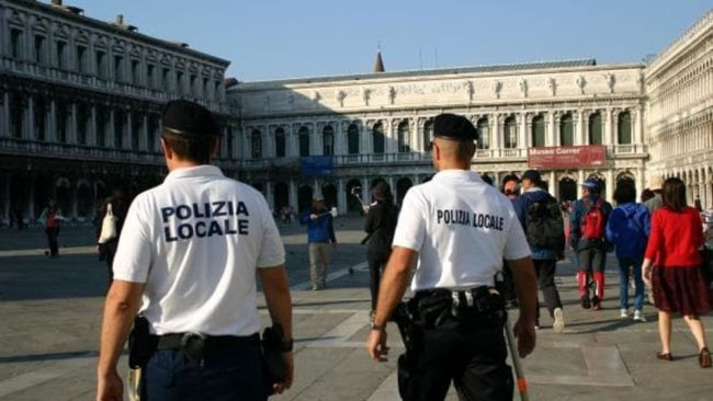 Borseggiatori arrestati a Ferragosto dalla Polizia Locale