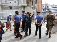 Ricercato si nasconde tra la folla in Piazza San Marco: arrestato - Televenezia
