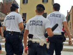 Tentano di derubare una turista: denunciate tre borseggiatrici - Televenezia