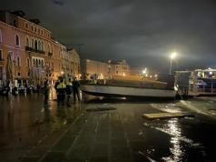 Acqua alta: raccolta dei danni martedì 12 novembre