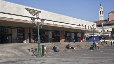 Ladra scoperta a rubare in stazione a Venezia