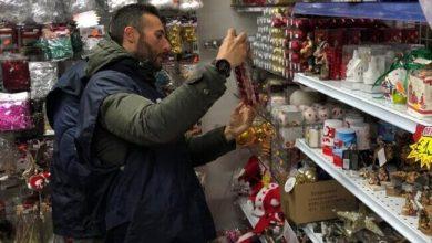 Sequestrati 20 mila articoli natalizi in un negozio di Mestre - Televenezia