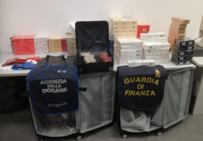 Sigarette di contrabbando all'aeroporto Marco Polo: scoperte 759 stecche - Televenezia