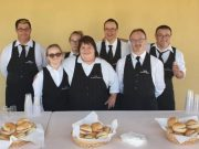 Sold-out, (tutto esaurito) alla cena dei sindaci camerieri per Venezia colpita dal maltempo. Partecipano 30 sindaci che serviranno ai tavoli