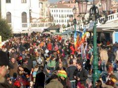 tentato borseggio carnevale venezia