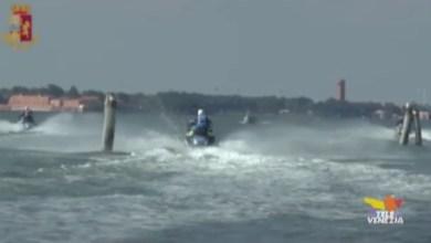 Laguna di Venezia: giro di vite contro le barche troppo veloci