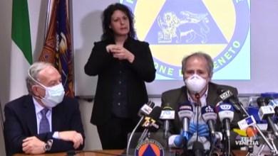 """VIDEO: Andrea Crisanti: """"il virus è ancora sconosciuto"""" - Televenezia"""
