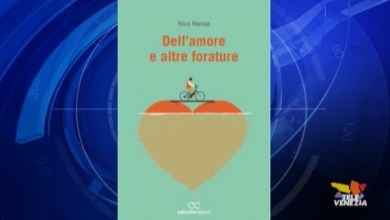 "Photo of Sara Zanferrari presenta ""Dell'amore e altre forature"" di Nico Maraja"
