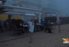 Jesolo: in spiaggia e al chiosco anche con la nebbia