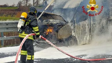 Furgone in fiamme: chiuso il tratto San Stino - San Donà