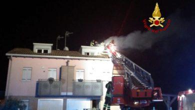 Tetto di un'abitazione in fiamme: nessun ferito - Televenezia