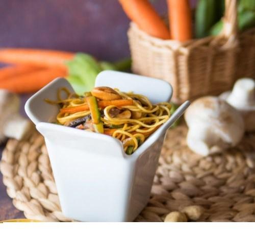 Noodles con Pollo e Anacardi: deliziosi!