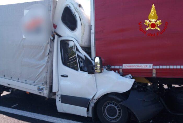 Schianto mortale in A4 fra San Stino e Portogruaro - TeleVenezia
