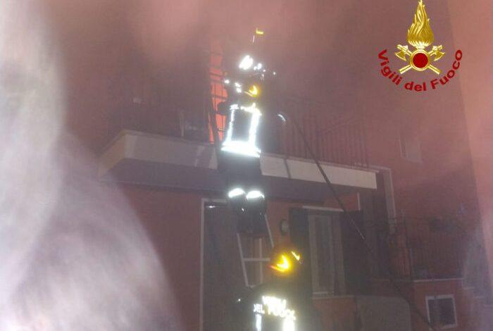 Campolongo Maggiore, incendio in una casa all'alba: tragedia sventata - Televenezia
