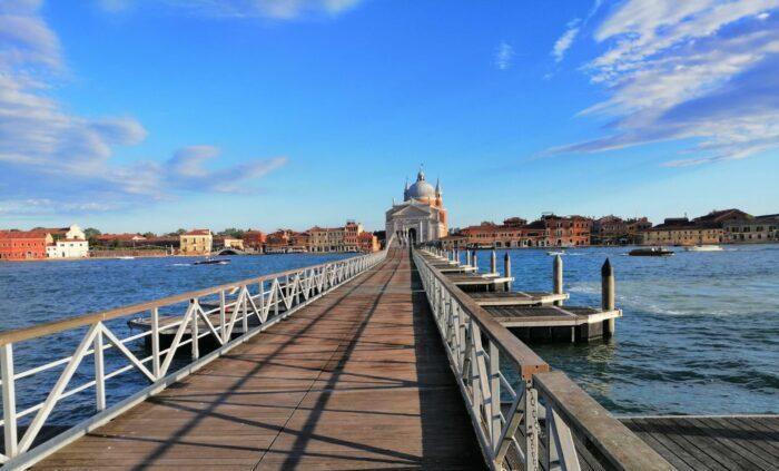 """Il ponte votivo: legame """"galleggiante"""" tra i veneziani e il Redentore"""