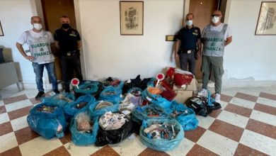 Chioggia: scoperto deposito di venditori abusivi