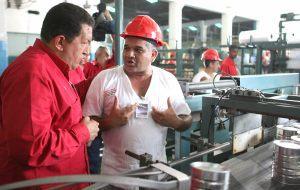 チャベス大統領と労働者