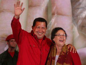 チャベス大統領とレオン新長官